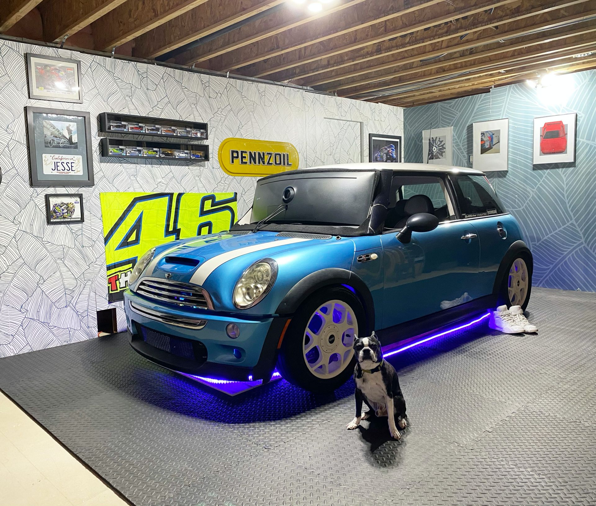 2005-MINI-Cooper-S-turned-into-in-home-racing-simulator-30