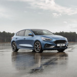 2019-Ford-Focus-ST-04