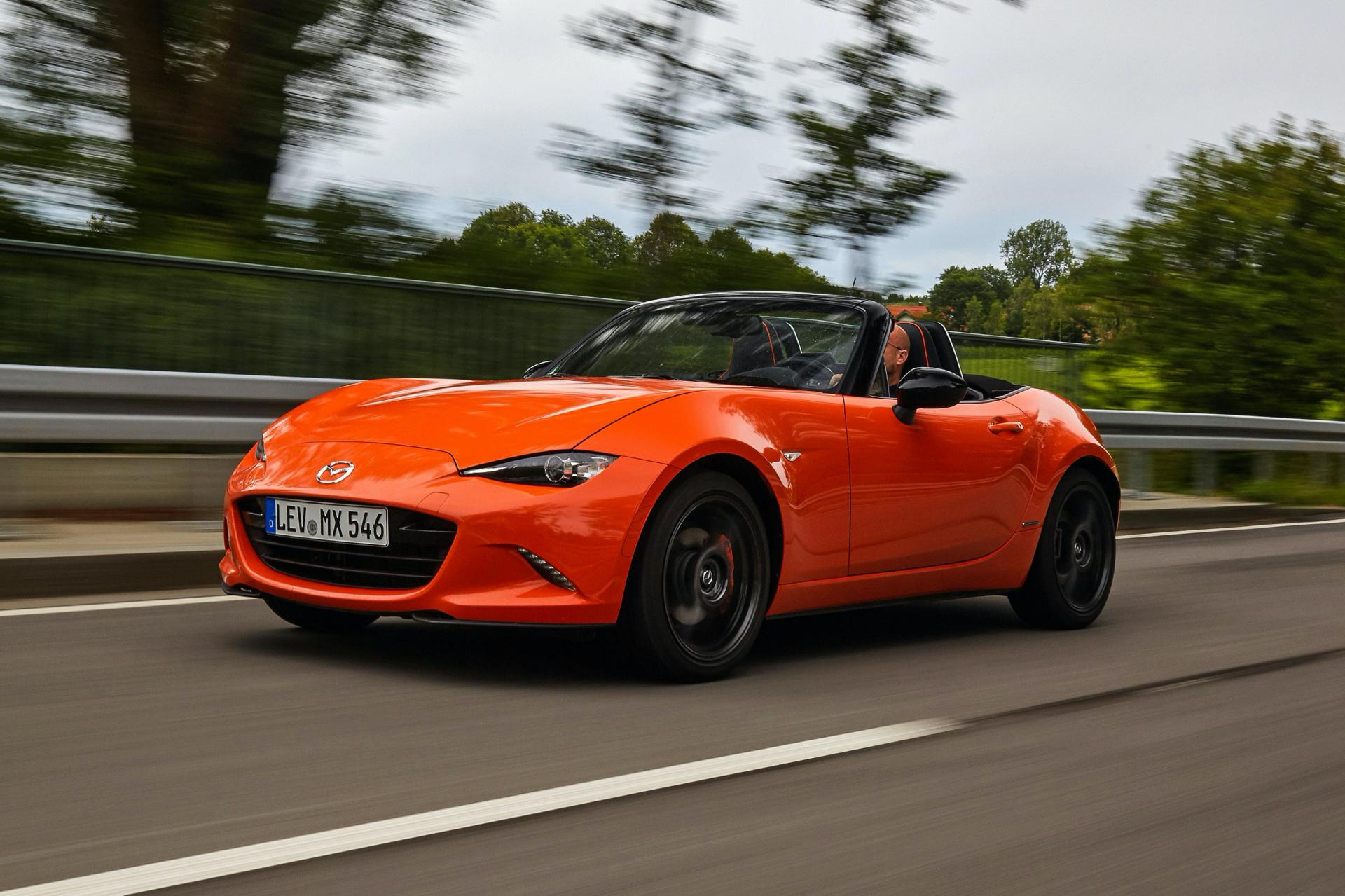 2019-Mazda-MX-5-30th-Anniversary-Euro-spec-1