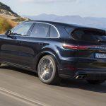 Elektromosként jöhet a következő Porsche Cayenne