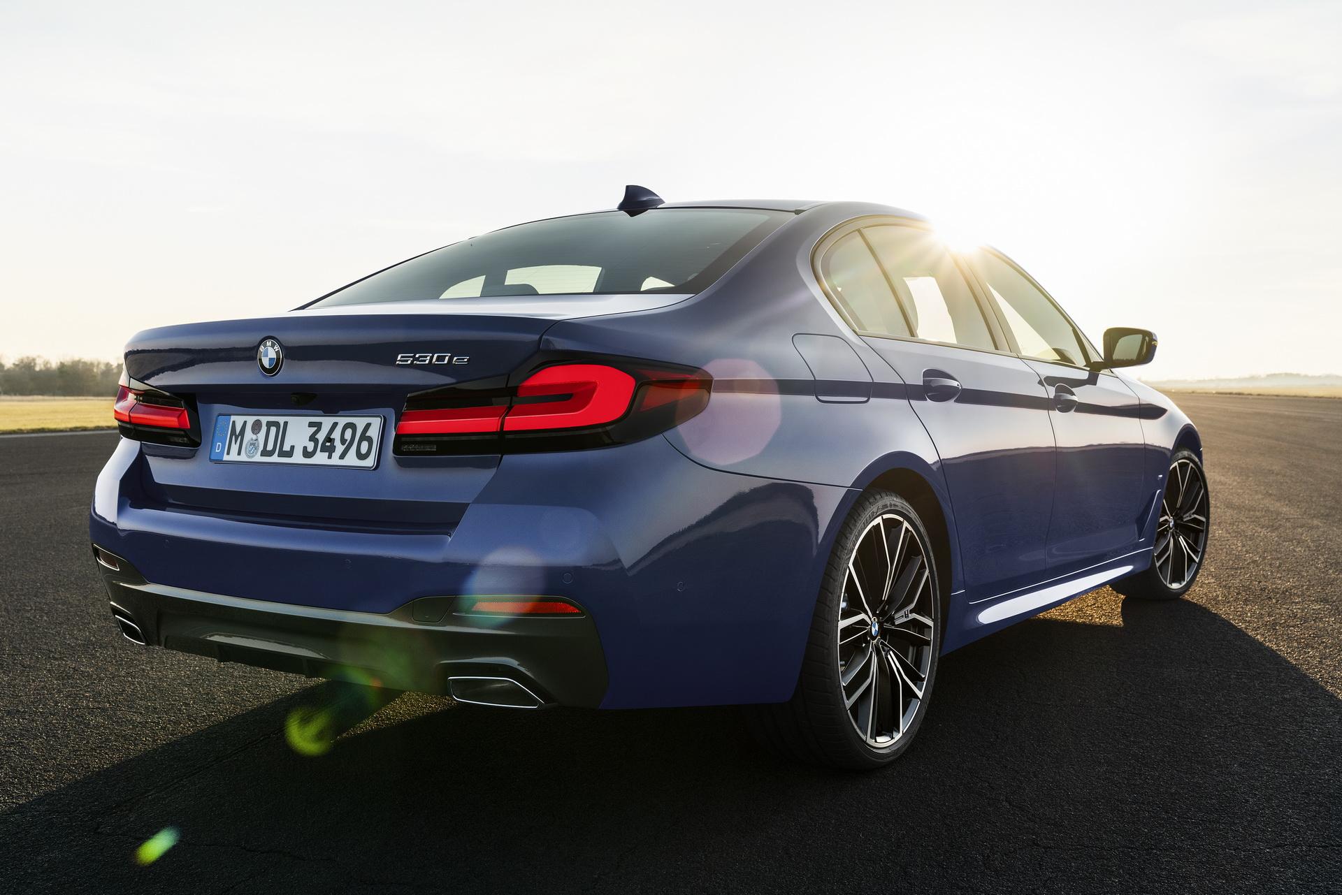 2020-BMW-5-Series-01