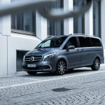 2020-Mercedes-Benz-V-Class-with-MBUX-infotainment-system-15
