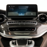 2020-Mercedes-Benz-V-Class-with-MBUX-infotainment-system-8