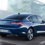 2020-Opel-Insignia-2