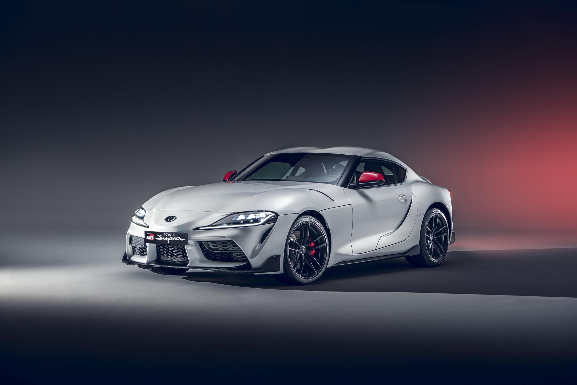 2020-Toyota-GR-Supra-2LT-01