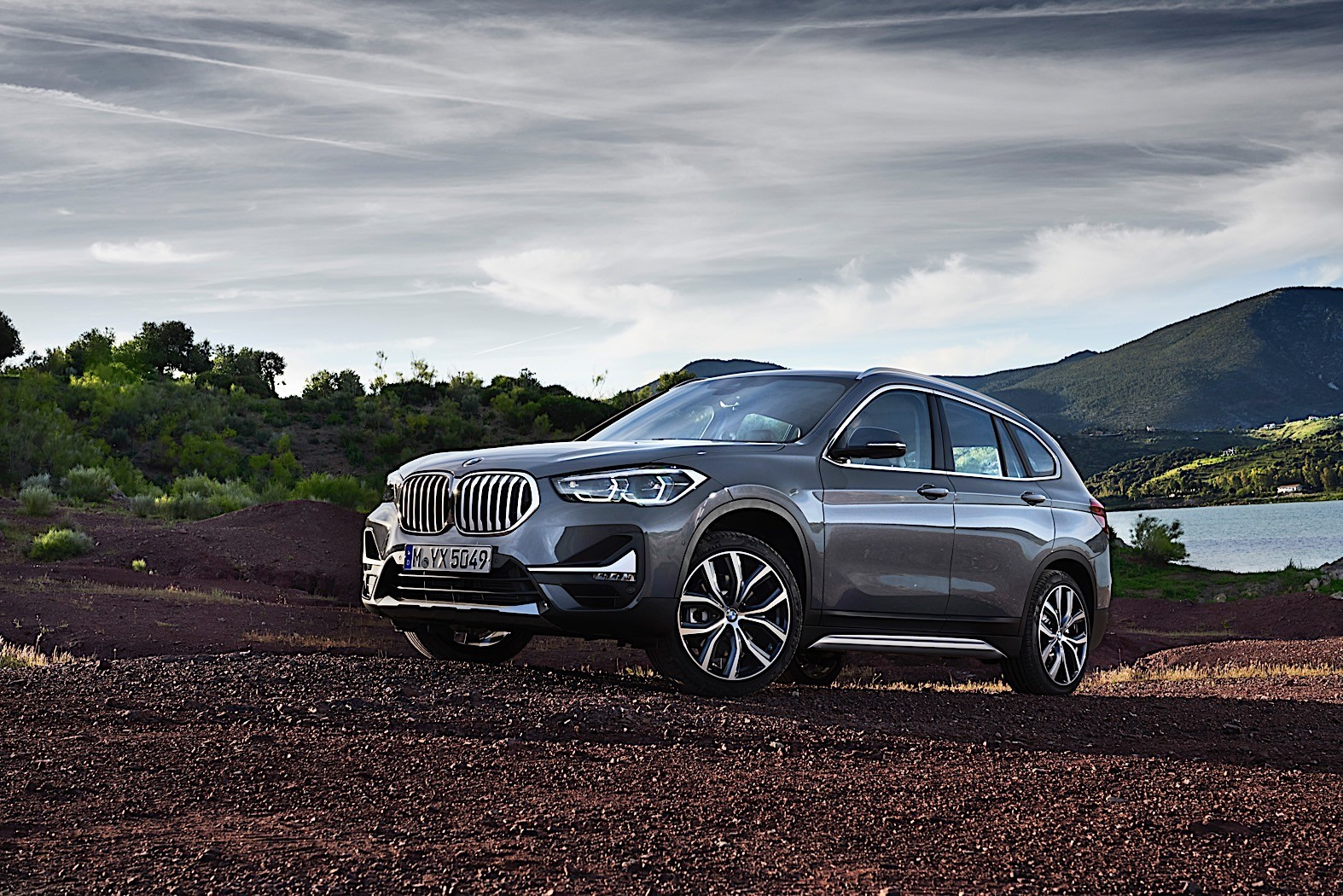 2020-bmw-x1-breaks-cover-with-larger-grille-and-the-promise-of-a-plug-in-hybrid_28