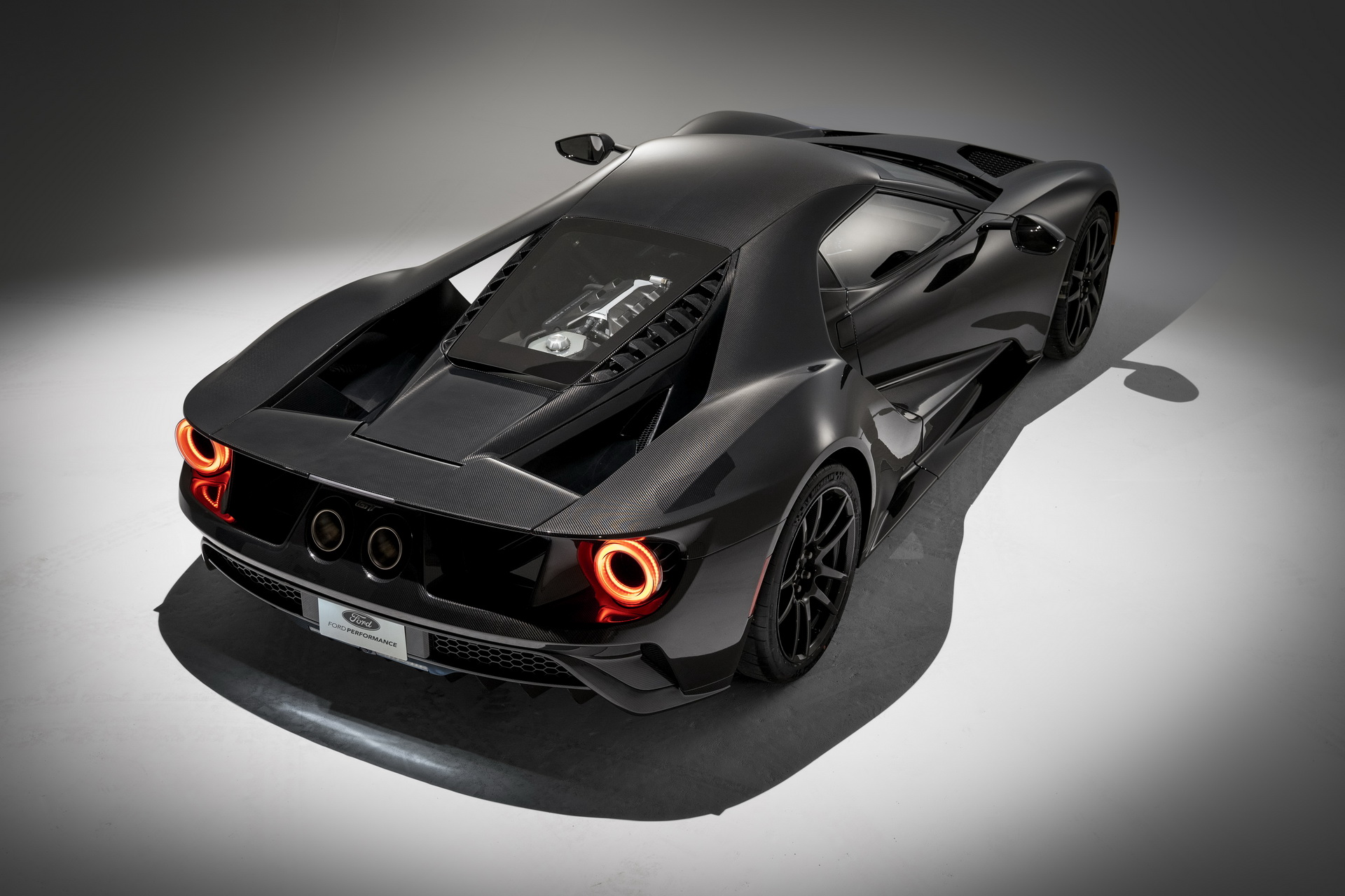 2020-ford-gt-liquid-carbon-edition-12
