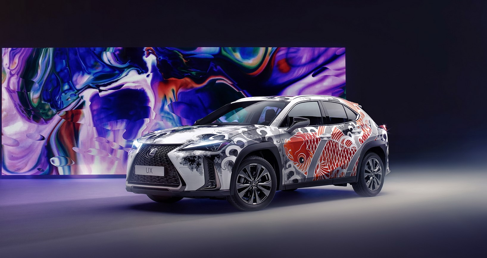 2020-lexus-ux-tatooted-car-1