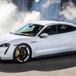 Tarolt a Porsche a Világ Év Autója választáson