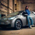 Felhőből aktiválható szolgáltatásokat és előfizetői rendszert tesztel a Volkswagen