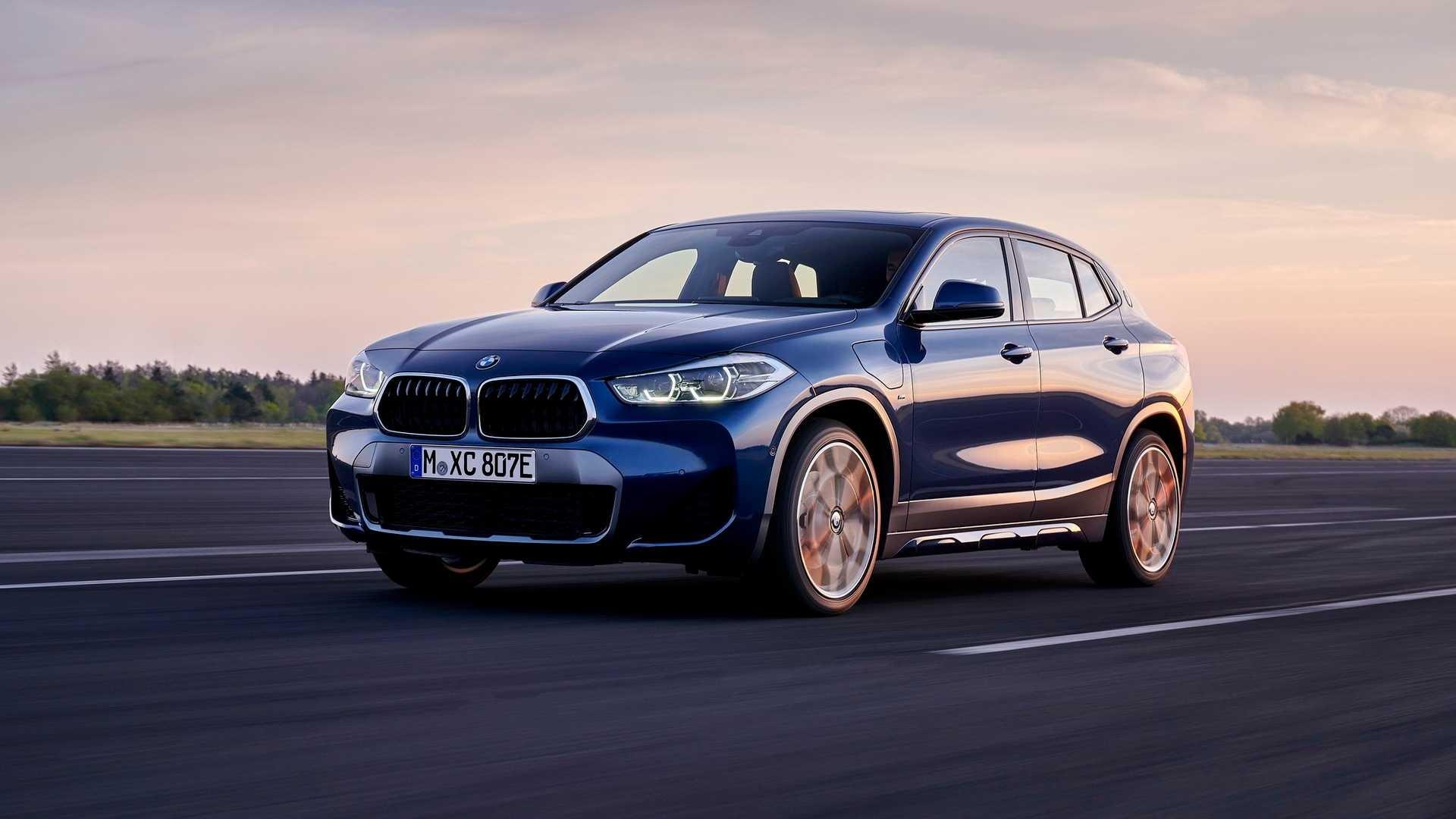 2021-BMW-X2-xDrive25e-4