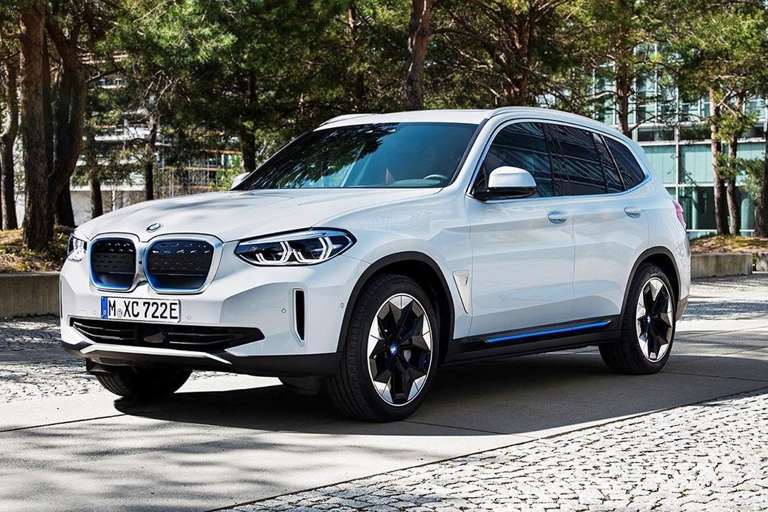 2021-BMW-iX3-2