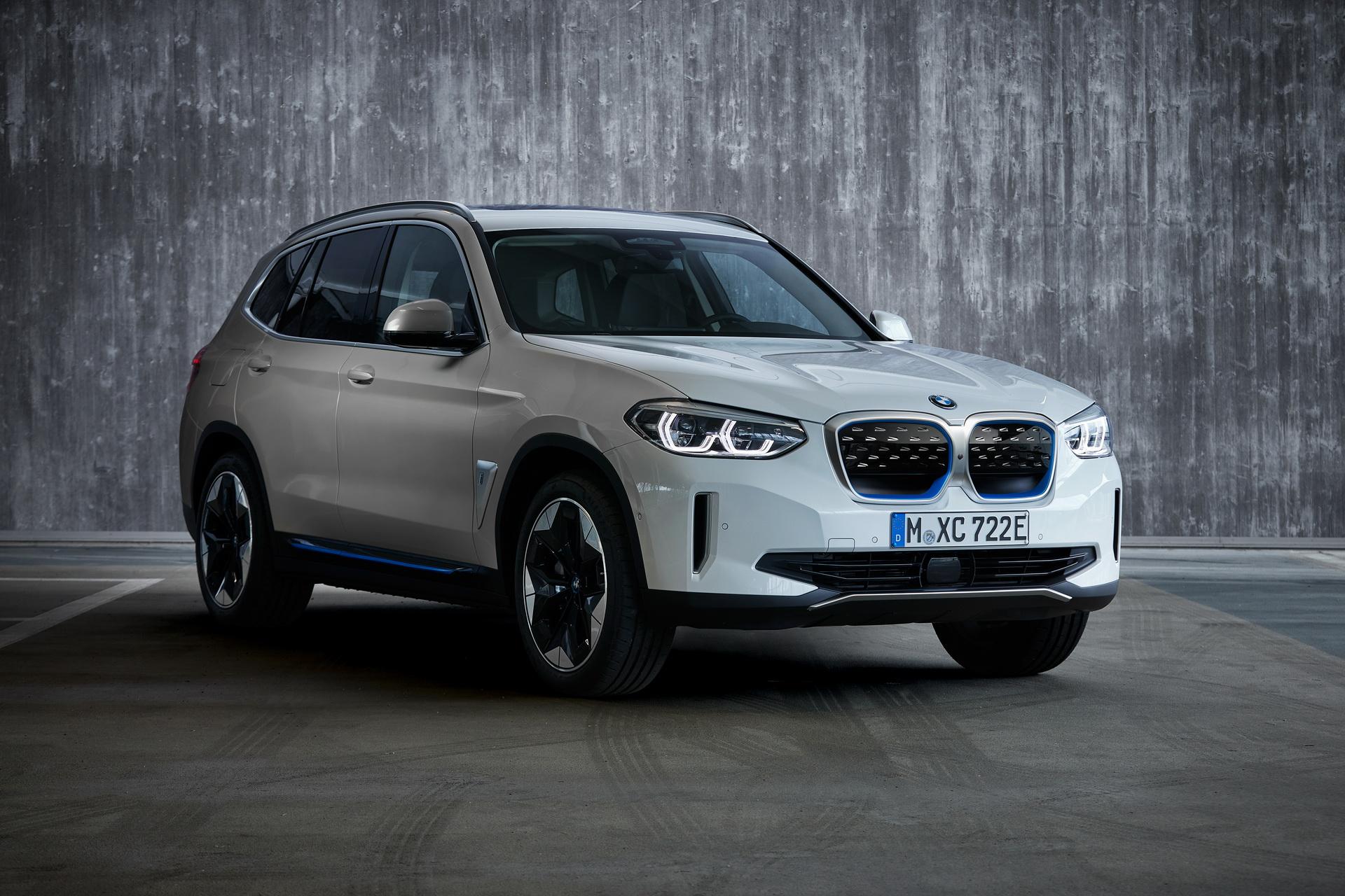 2021-BMW-iX3-28