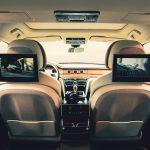 Kivehető hátsó kijelzőket kapott a Bentley Bentayga és a Flying Spur