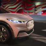 Késnek az elektromos Mustang SUV kiszállítások