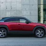 Benzines motorral is jön az elektromos Mazda MX-30