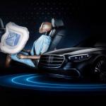 A hátul ülők is kapnak külön légzsákot az új Mercedes S-osztályban