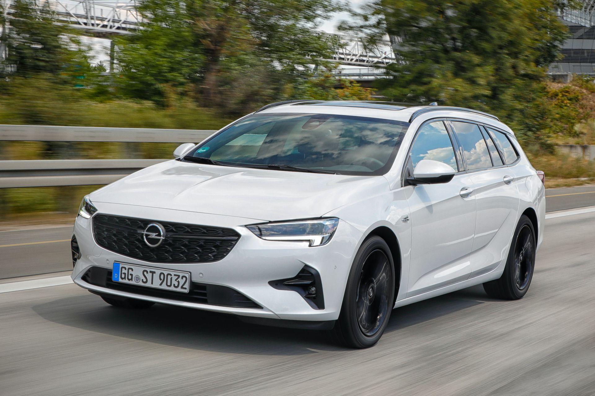 2021-Opel-Insignia-4