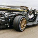 Nem a padlólemezbe építi be az akkumulátorokat a Porsche