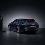 Megnövelt elektromos hatótávot és erősebb motort kapott a Porsche Panamera hibrid