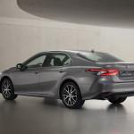 2021-Toyota-Camry-Hybrid-02