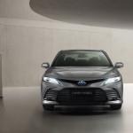 2021-Toyota-Camry-Hybrid-06
