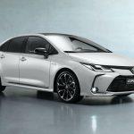 A Toyota továbbra is kitart a szedánok mellett
