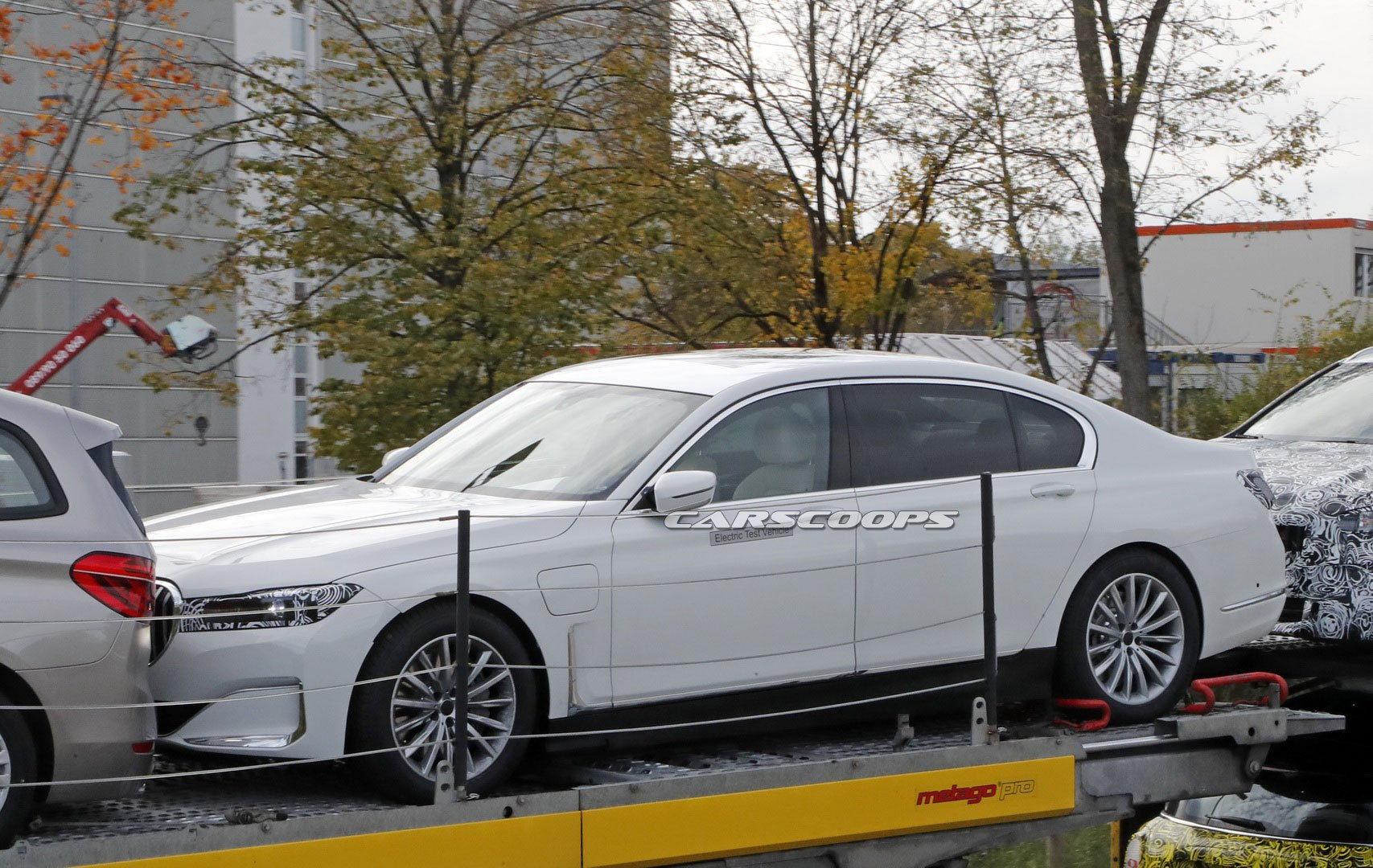 2021-bmw-i7-electric-7-series-3