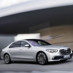 Alig jelent meg a Mercedes S osztály, máris visszahívást jelentett be a gyártó
