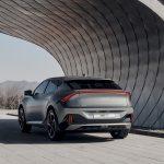 Brutális teljesítménnyel és akár 510 kilométeres hatótávval mutatkozott be a Kia új elektromos autója