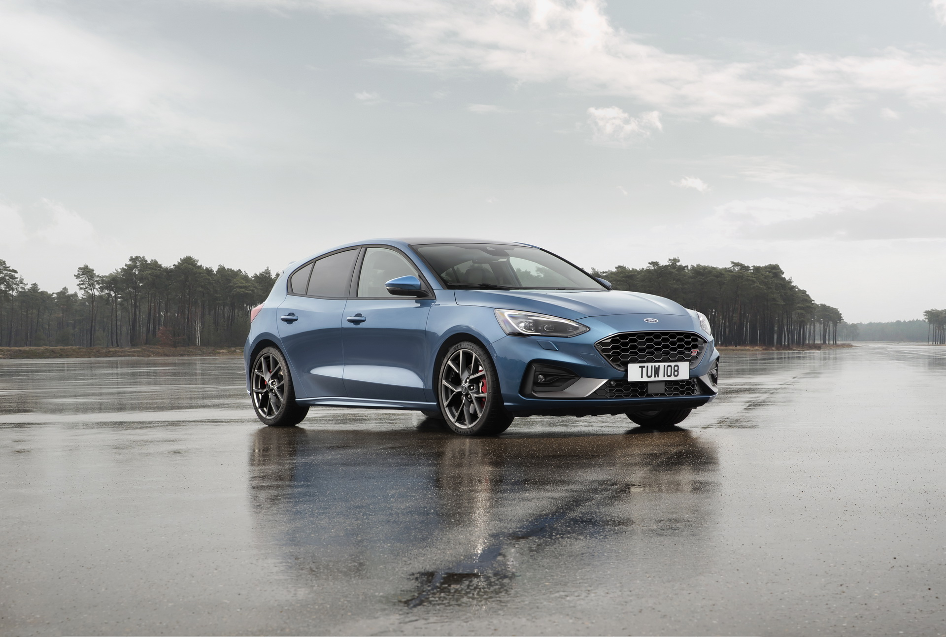 381e8f99-2019-ford-focus-st-05