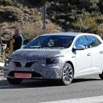 Hibriddel frissül a Renault Megane