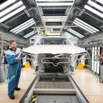 Csaknem hatezer alkalmazottjától válik meg a BMW