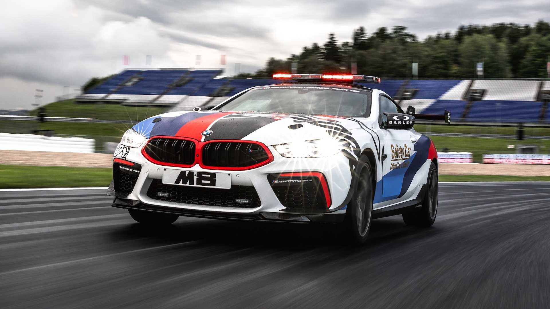 49569c31-bmw-m8-motogp-safety-car-7