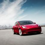 Folyamatosan csökkenti az árait a Tesla