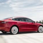 Növeli a Tesla Model 3 teljesítményét is az új frissítés