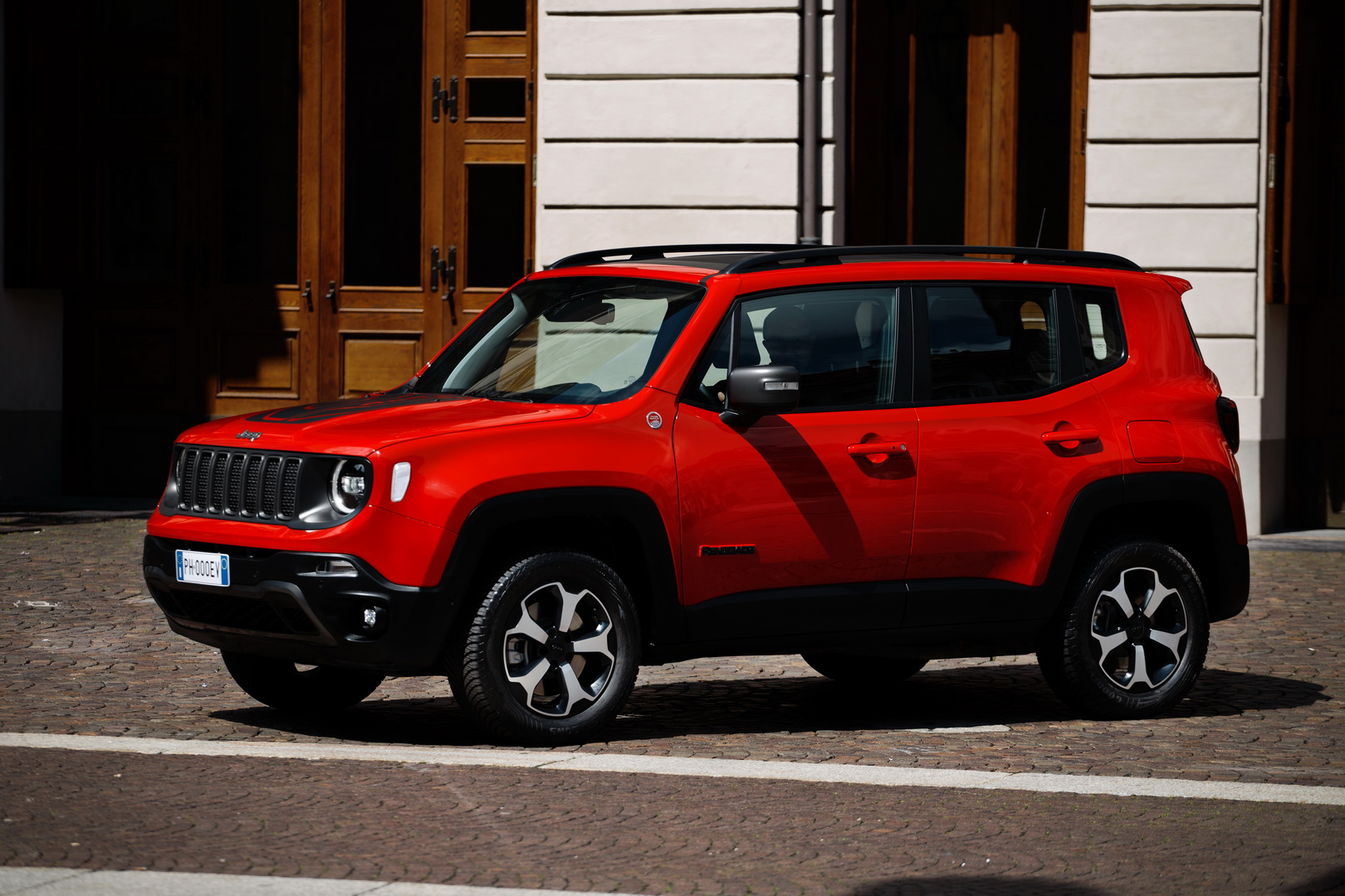 6015f998-2019-jeep-renegade-phev-4