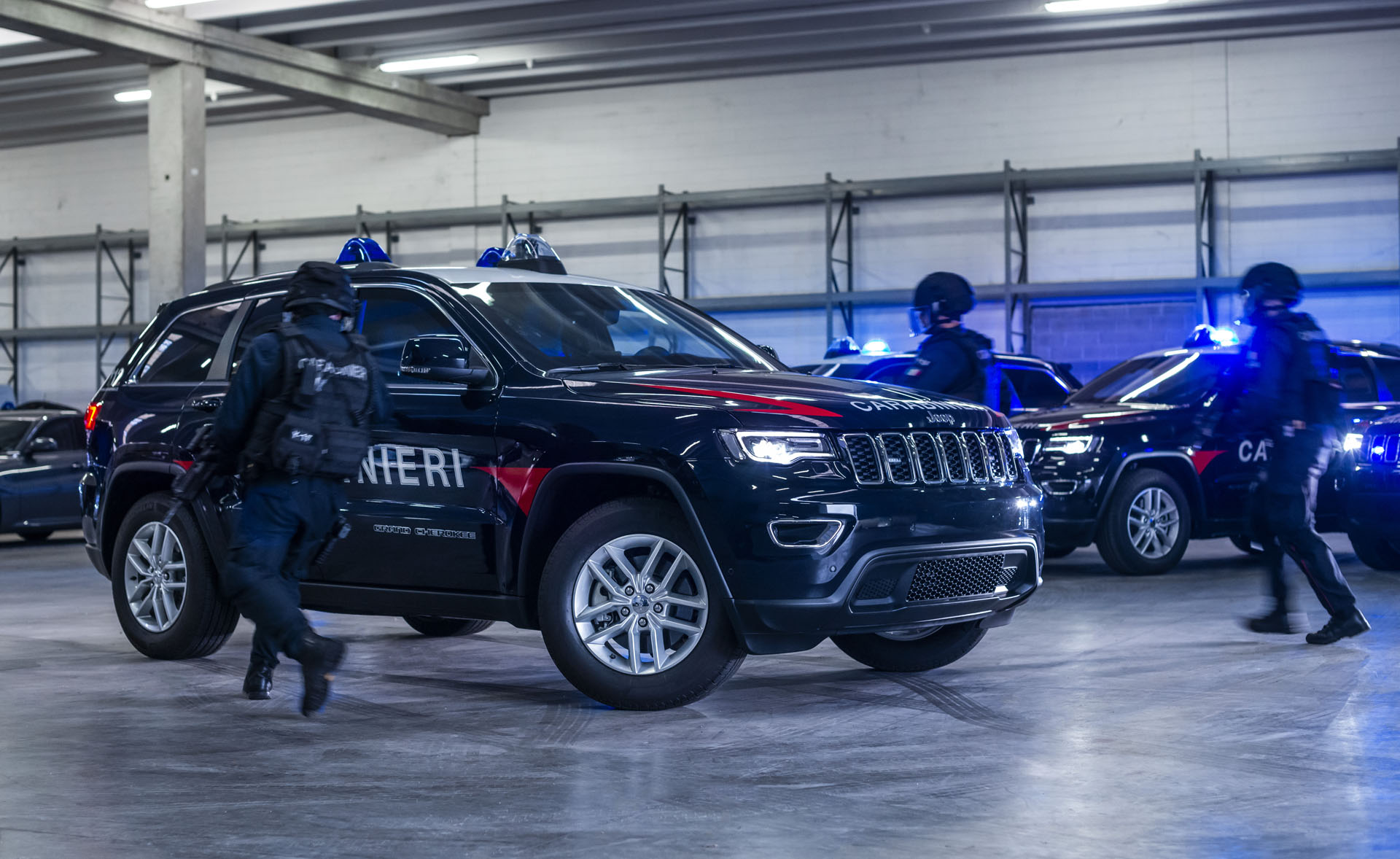 758b23ea-181031_jeep_grand_cherokee_carabinieri_01-copy
