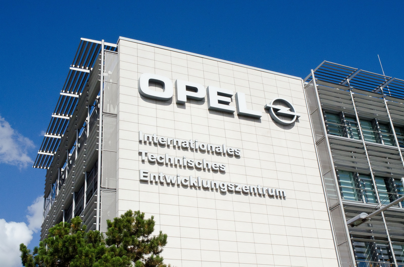 77e62dc2-opel-ceo-talks-turnaround-1