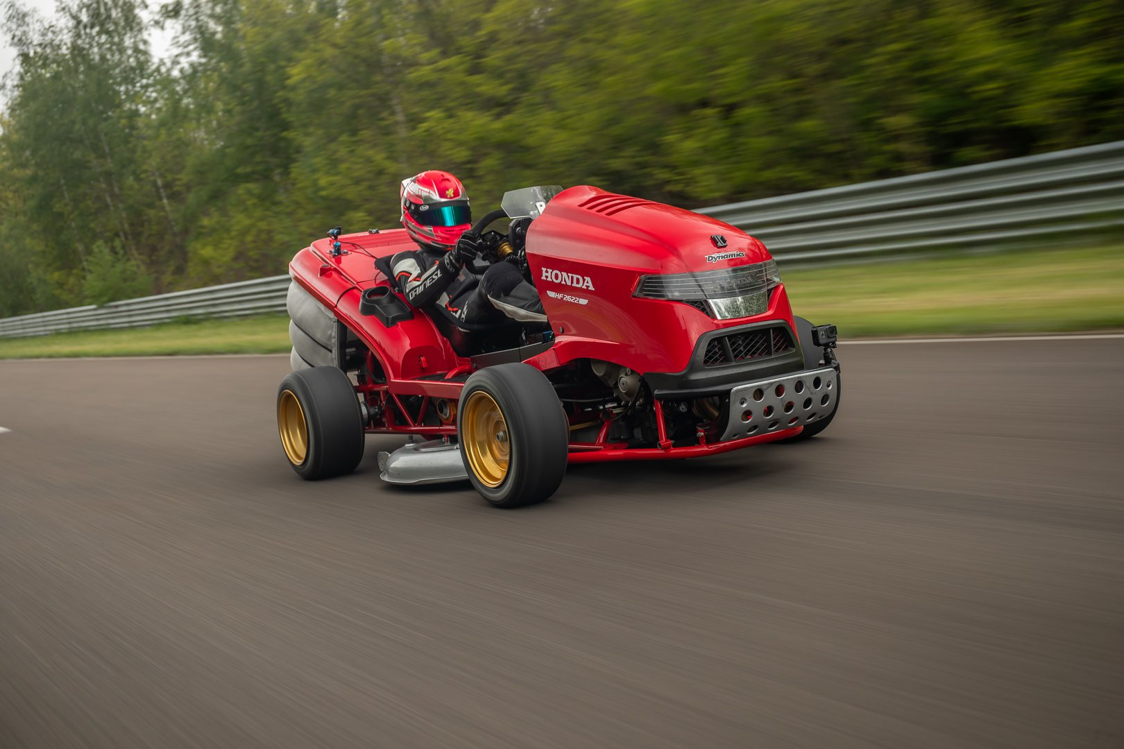 98d8decd-honda-mean-mower-v2-record-2
