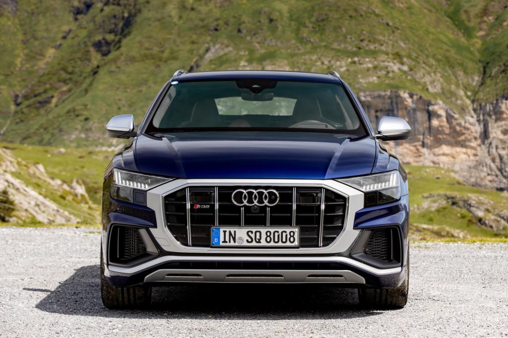 Még idén megérkezhez az Audi gigantikus kupé SUV-ja