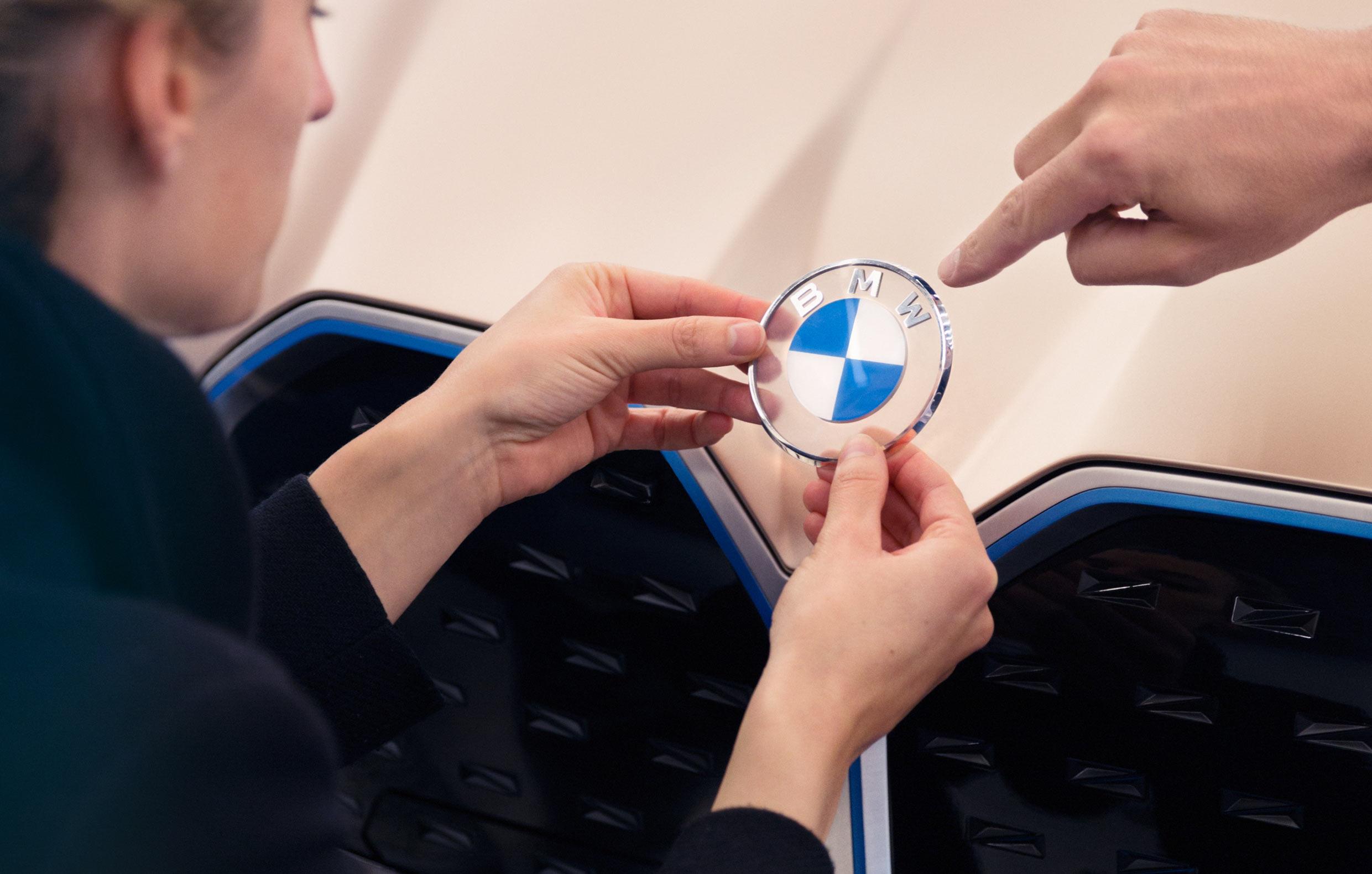 BMW-Logo-4