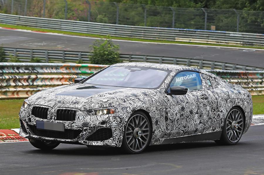 BMW8-1