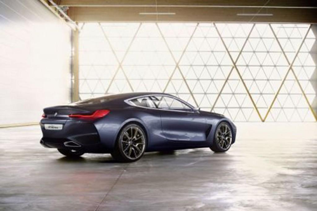 BMW8-2
