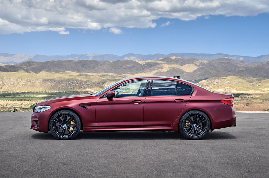 BMWM52018-32