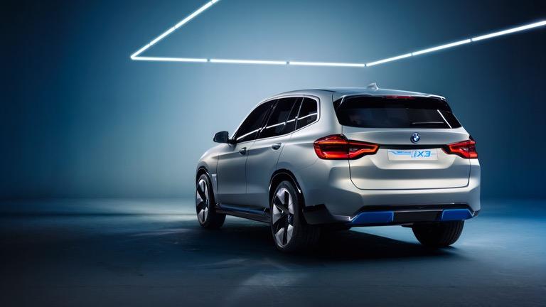 BMW_iX3-05
