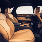 A ráncfelvarrás után is kapható négyszemélyes kivitelben a Bentley Bentayga
