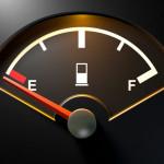 Szigorodtak a törvények Angliában, már a kifogyott üzemanyagért is tetemes bírság jár