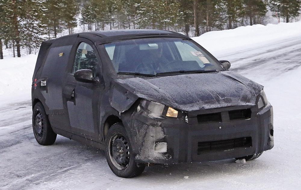 Fiat-Punto-successor-front-three-quarter-spyshot