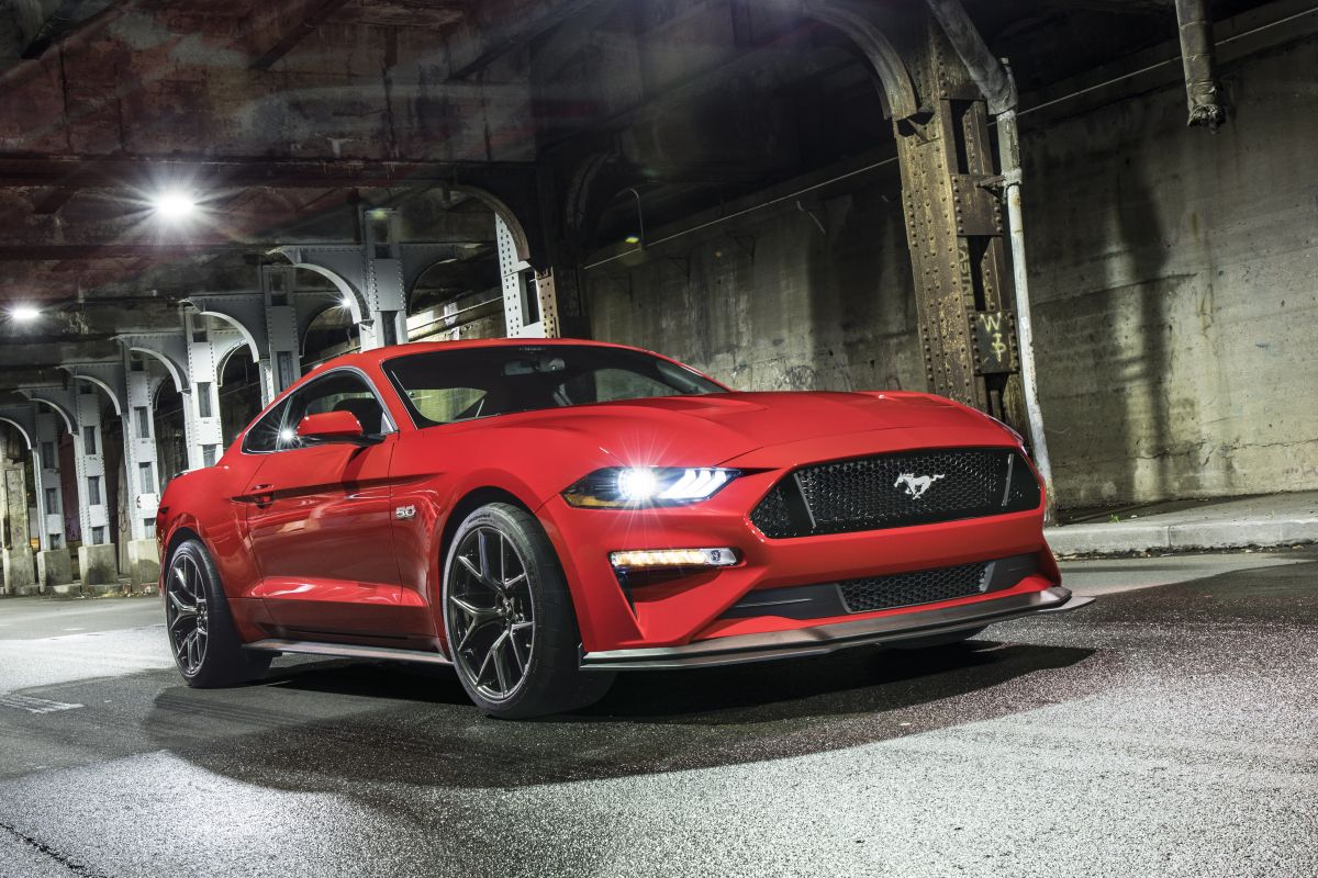 Ford Mustang Performance Pack 2018-1